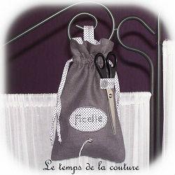 cuisine sac ficelle gris noir blanc brodé ficelle dijon gien chatillon loire couture création décoration ameublement fait main le temps de la couture
