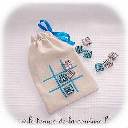 pochette jeu voyage morpion écru bleu turquoise gris argenté dijon gien chatillon loire couture création décoration ameublement fait main le temps de la couture