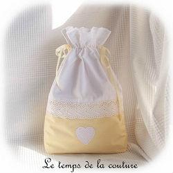 sac pochon linge lingerie blanc jaune broderie anglaise dijon gien chatillon loire couture création décoration ameublement fait main le temps de la couture